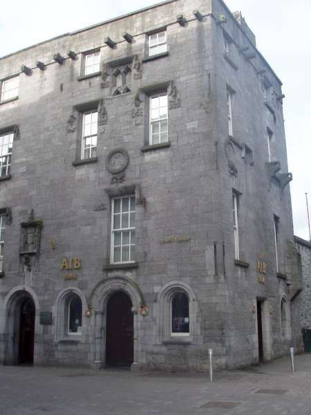 Lynch Castle